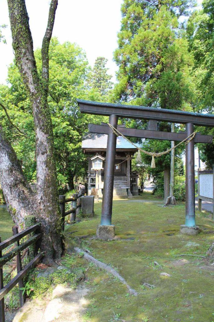 神社・寺の駐車場での車中泊